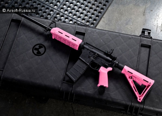 Опять брутальный розовый и календарь в стиле pin-up