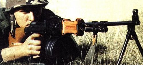 пулемет РПД в бою