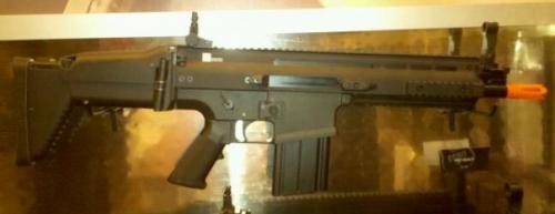 Echo1 SCAR-H страйкбольное оружие